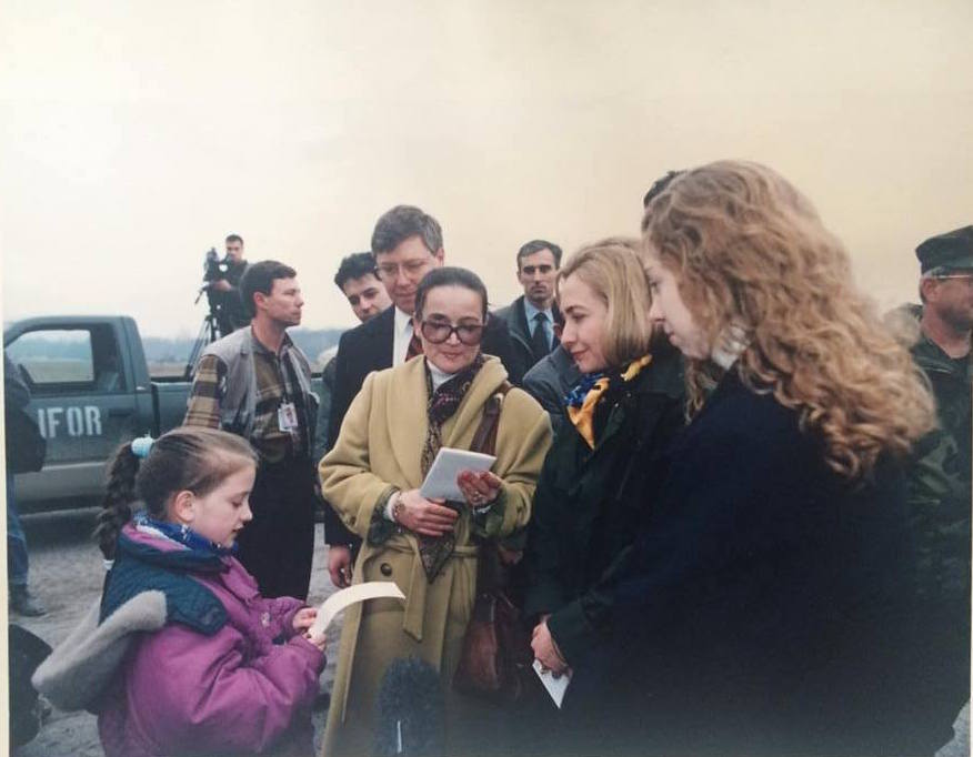 Emina Bicakcic reading a poem to Hillary Clinton in 1996 in Tuzla, Bosnia.